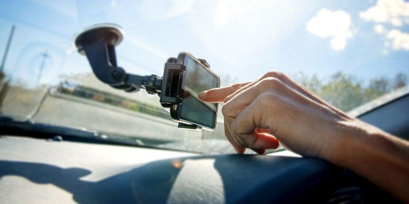 driver using motoring app