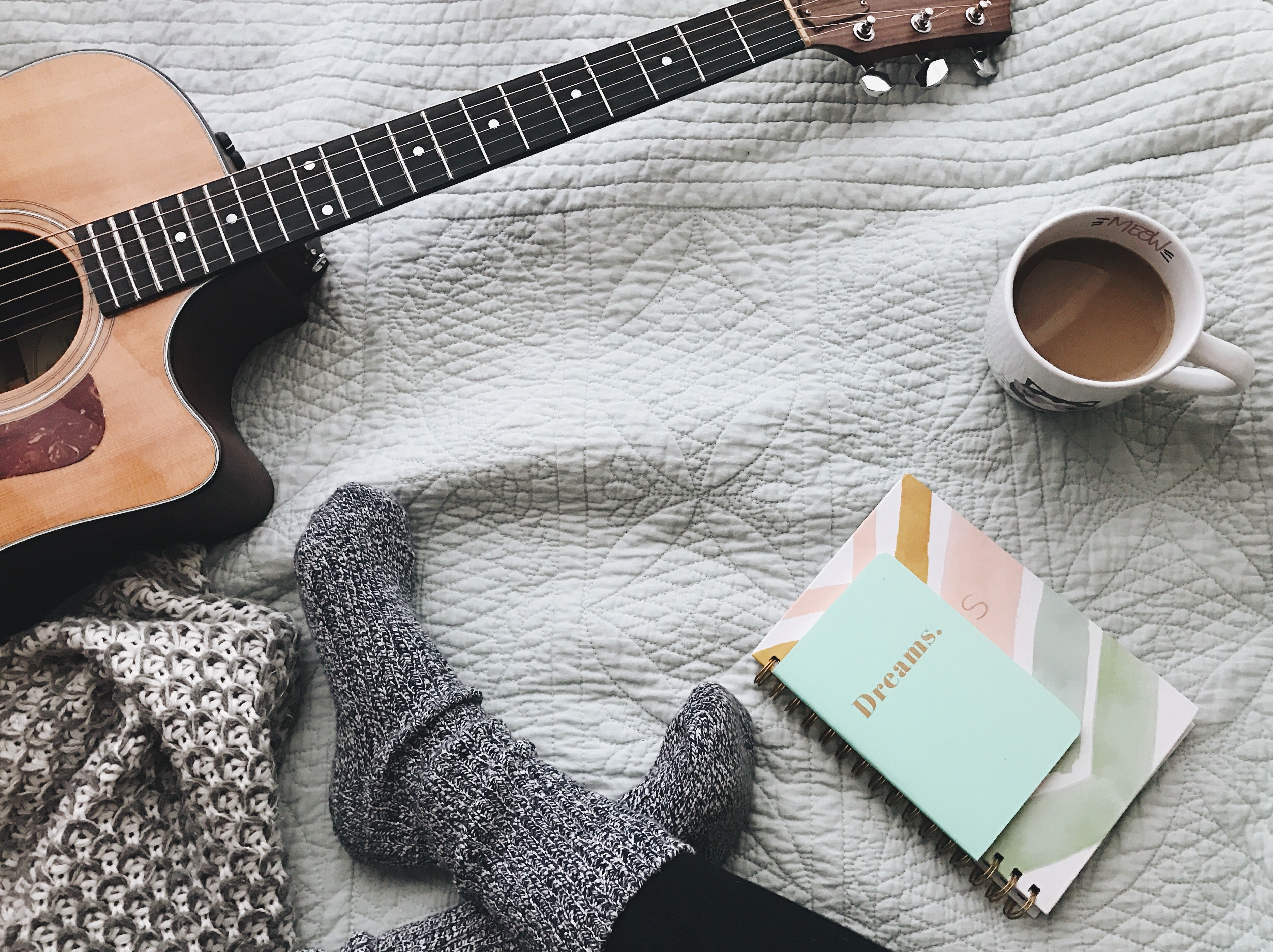 Hygee your day: How to bring coziness into your daily routine