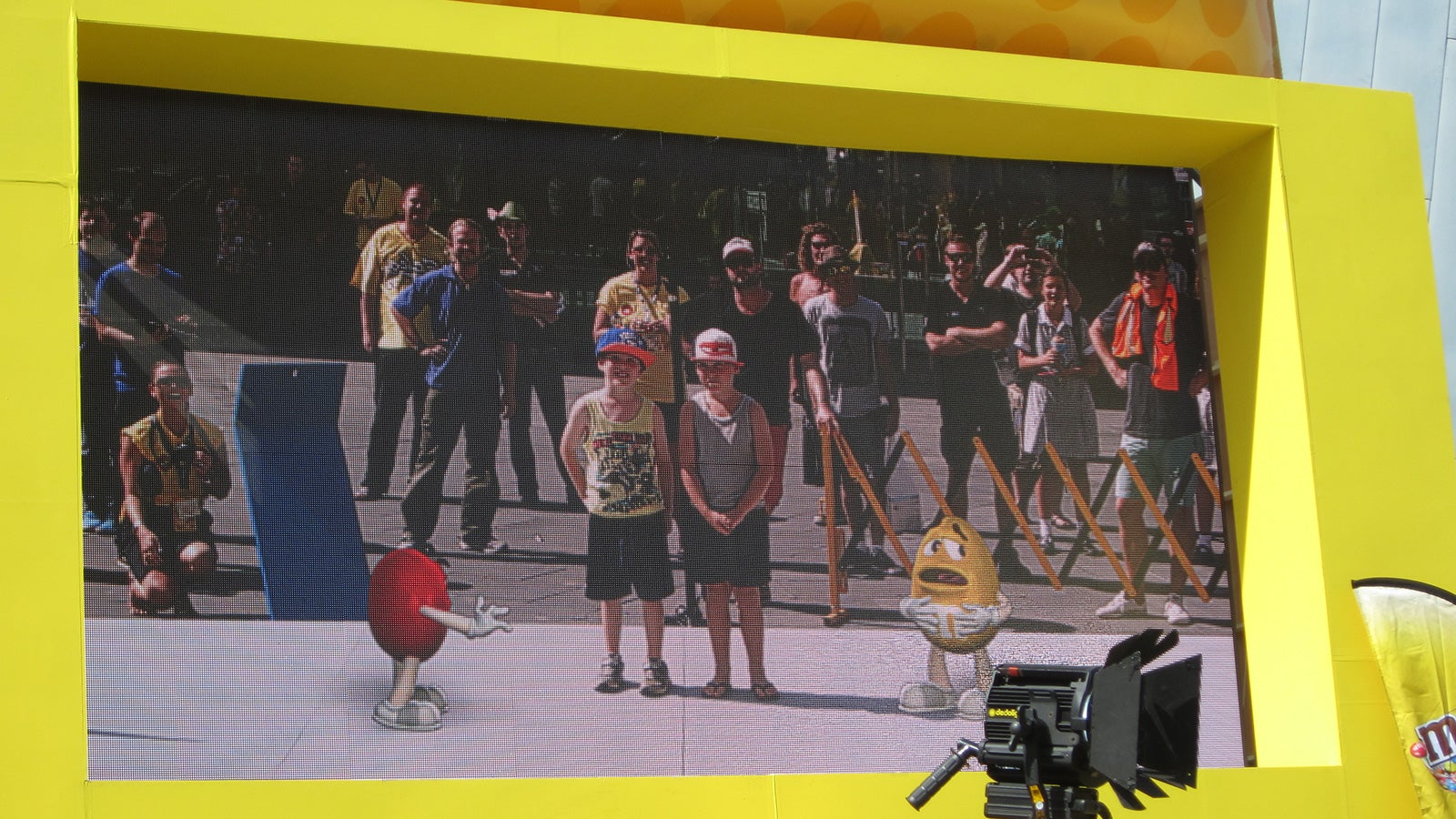 M&M's | children interacting with the M&M augmented reality display in Melbourne's Federation Square | Devotion