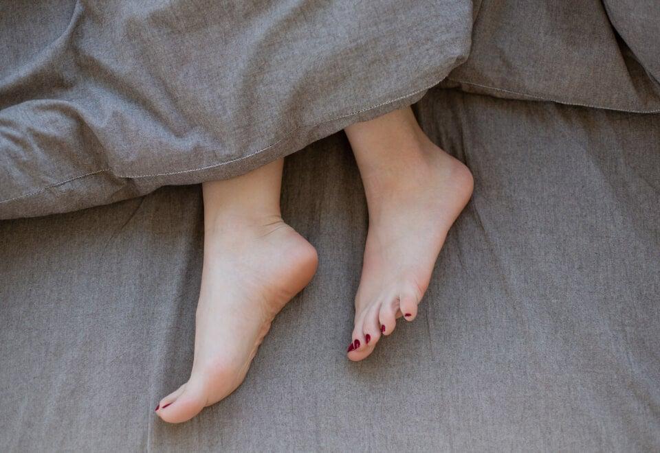 Sleepyhead & SleepMaker | feet poking out of blanket | Devotion